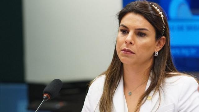Uma das autoras da proposta, Mariana Carvalho afirma que em vários estados já foi registrado aumento nos casos de agressão contra mulheres durante o isolamento social. - Gente de Opinião