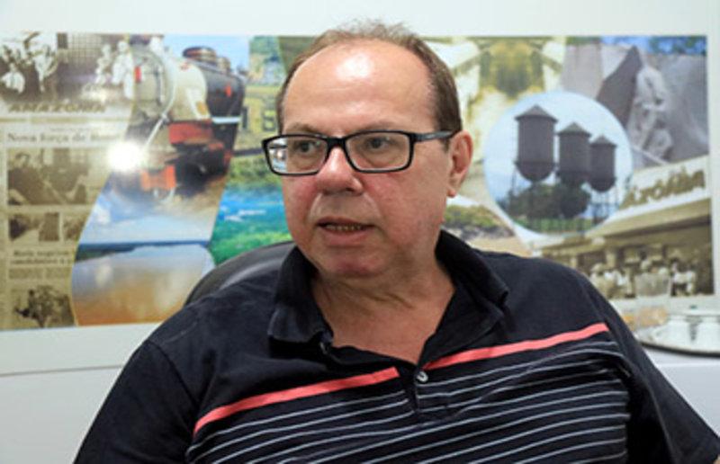 A décima eleição + Homenagem para Assis Gurgacz + A cotação dos candidatos a prefeito