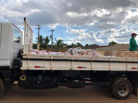 Famílias de catadores recebem doações em Porto Velho e Candeias