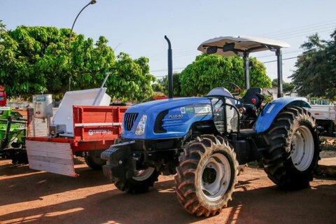 Maquinários entregues pelo Estado irão impulsionar as atividades da agricultura familiar em Guajará-Mirim