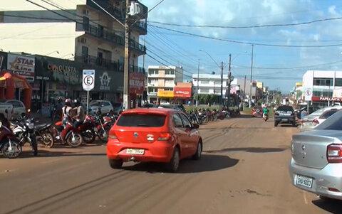 Apesar das medidas restritivas, o movimento do comércio em Rolim de Moura está normal