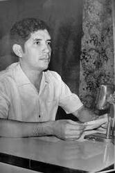 """Osmar Vilhena, radialista mais conhecido em Porto Velho, eleito vereador em 1972, """"caroneou"""" quatro candidatos para seu partido, o PMDB fazer maioria e foi cassado por eles - Gente de Opinião"""