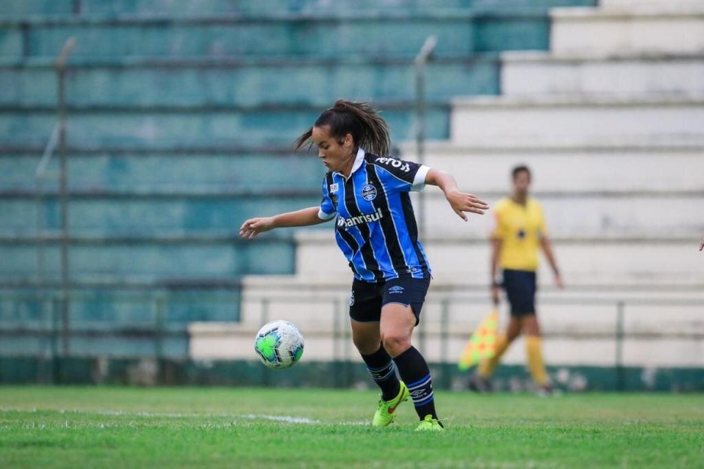 Mayara foi contratada profissionalmente pelo time do Grêmio. - Gente de Opinião