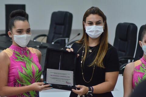 Deputada Mariana Carvalho anuncia empenho de R$ 2,5 milhões para Complexo Esportivo: ginasta local será homenageada
